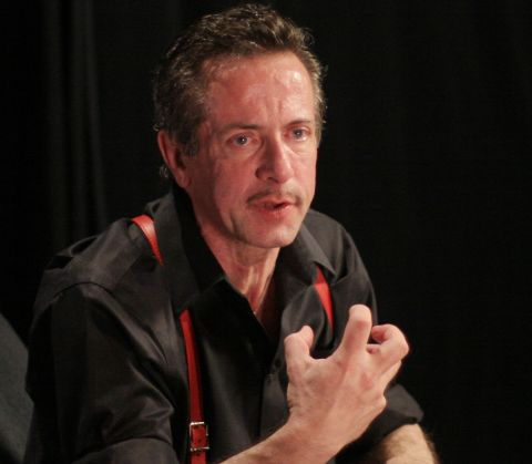 Clive Barker, who may not be the master of modern horror, but is pretty good at least.
